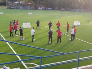 ASV-Trainer bei einer Schulung durch das DFB-Mobil